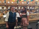 mit dem Dirigenten der Niederalmer den Taktstock geschwungen- Band vom Schützenfestzelt